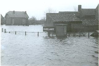 Zeeuws Archief, collectie Beeld en Geluid, cat.nr. BG-0077-02-1: Oudelande onder water, 1953