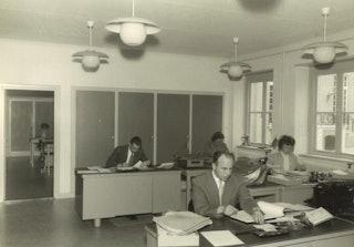 Oude foto van de kamer waar Suresh nu werkt.