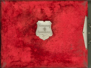 Voorkant van fotoalbum 'Herinnering aan Middelburg'. Zeeuws Archief, Zelandia Illustrata II-2351.